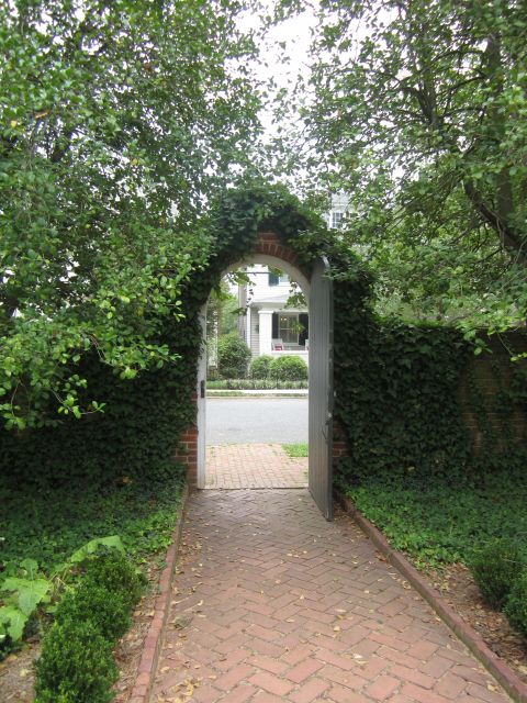 Riverfront Entry and GardensKenmore Plantation