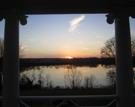 "The ""Evening Show"" on the Riverside Balcony at Belle Grove Plantation"