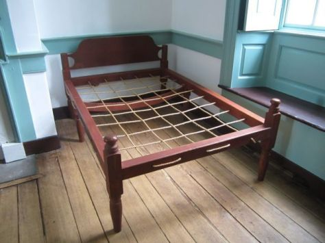 Rope BedAnyone up for using this at Belle Grove?