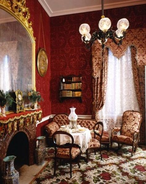 Mansion Drawing Room: Belle Grove Plantation Bed