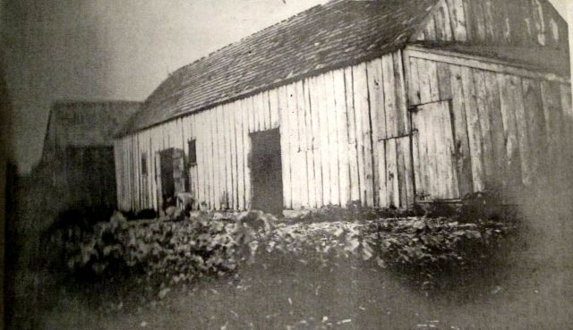 Barns on the Walsingham Plantation1906