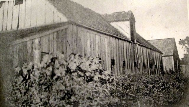 Barns on Walsingham Plantation1906