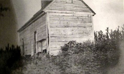 Old Tenement House on the Walsingham Plantation1906