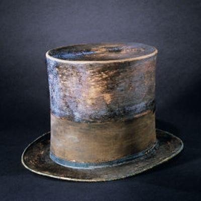 lincoln-stovepipe-hat