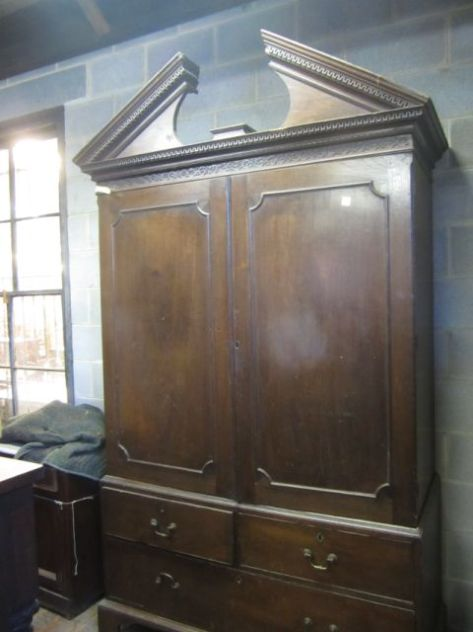 This is a Linen Press that we are thinking for the Madison Master Suite.