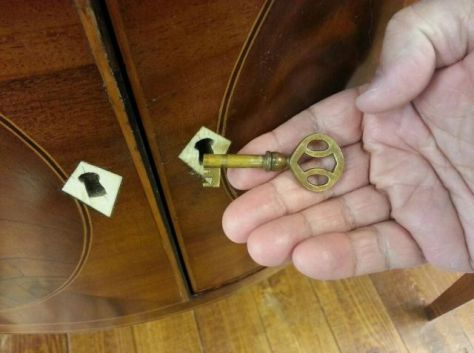 Early 1800s Sideboard - Even the Key is cool!
