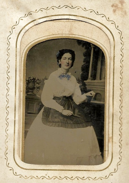 Aunt Carrie dau of Carolinus